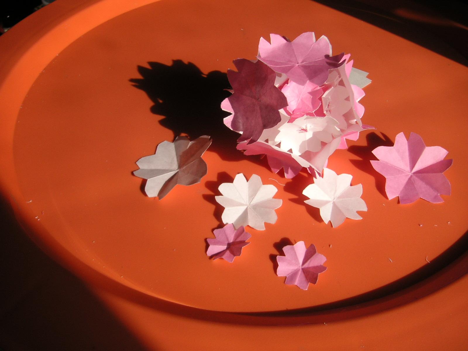 すべての折り紙 折り紙 マジックボール 折り方 : 2009年2月15日 (日) 折紙 | 固定 ...
