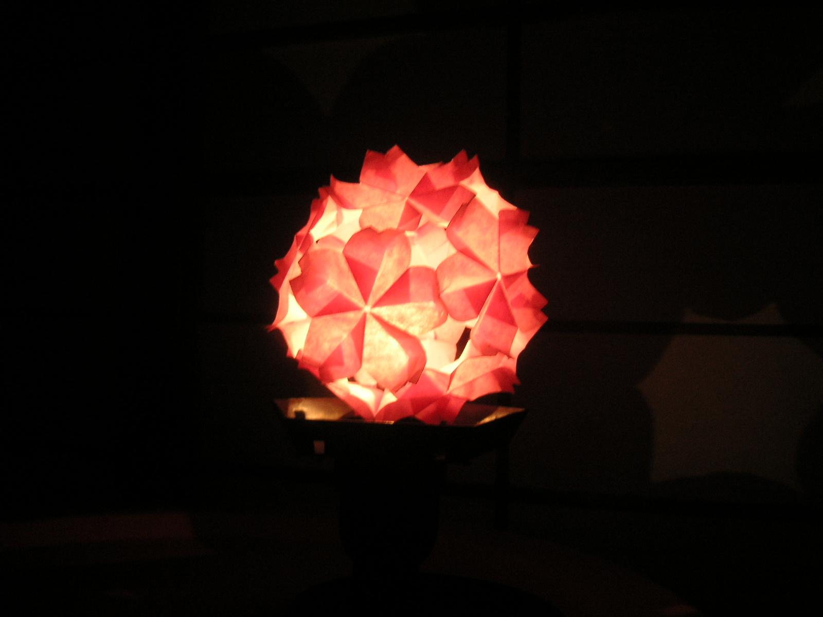 すべての折り紙 折り紙 くす玉 ユニット : ライトアップに使ったのは ...